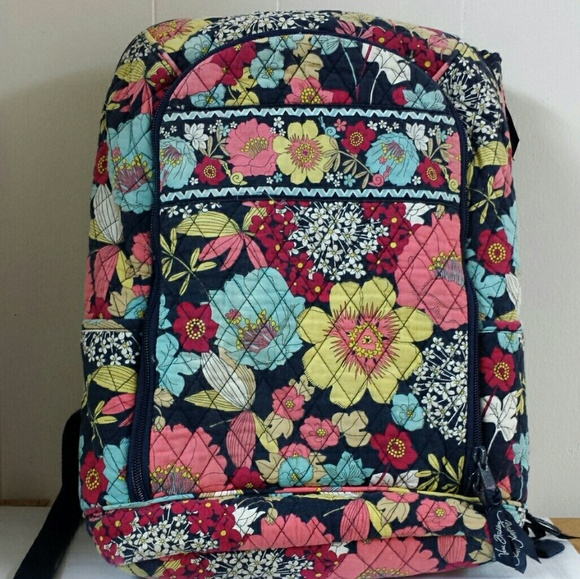 dfe32dfaca Vera Bradley Happy Snails campus laptop backpack. M 5a6d2150caab44e422ac9782